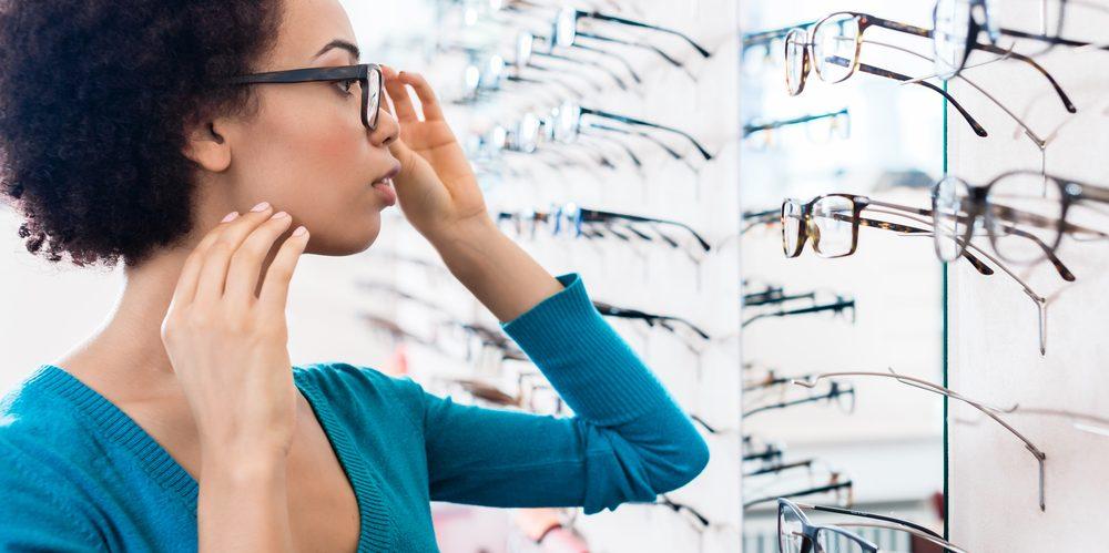 d0598cb64 De quanto em quanto tempo trocar os óculos? - Guia de Óculos